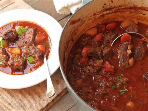 goulash hungarian beef  paprika stew