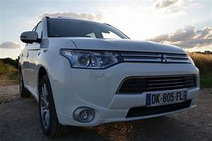 Avis Mitsubishi Outlander Phev : suv essai hybrid life du mitsubishi outlander phev hybrid life forum automobile hybride ~ Maxctalentgroup.com Avis de Voitures