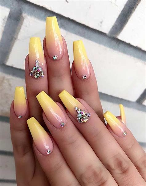 cute  simple ideas  ombre nails page