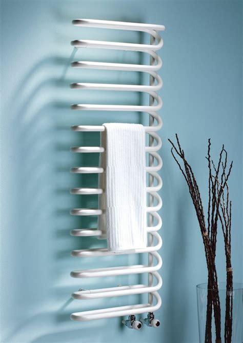 accroche serviette salle de bain radiateur design et s 232 che serviette pour la salle de bain