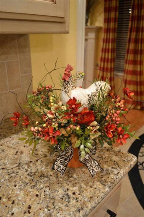 rooster centerpiece     rooster decor