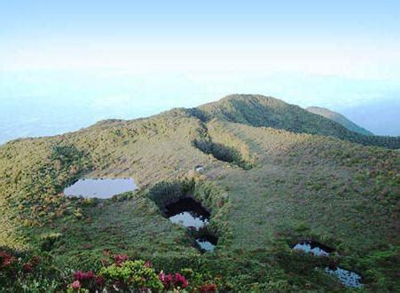 puncak tertinggi sumatera barat gunung talamau pesona