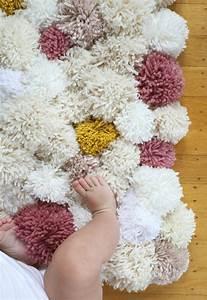 comment faire un pompon guide et applications With tapis chambre bébé avec comment faire livrer des fleurs