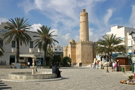File:Town centre Sousse (239401090).jpg - Wikimedia Commons
