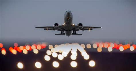 Aircraft Takeoff 4k Ultra Hd Wallpaper