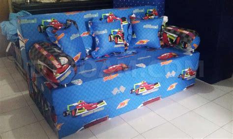 Sofa Bed Karakter Anak sofa bed inoac untuk anak motif karakter kartun cars
