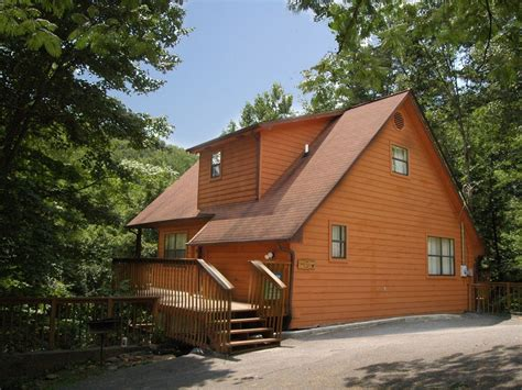 downtown gatlinburg cabins cabin downtown gatlinburg in a wooded vrbo