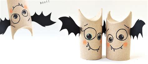 deco chauve souris une chauve souris fabriqu 233 e avec 1 rouleau de papier toilette