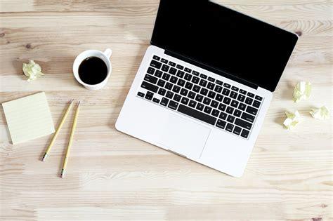 but ordinateur de bureau image libre ordinateur portable café crayon lieu de