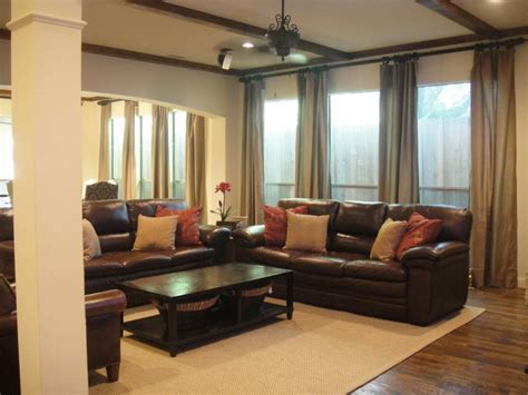 what colour goes with tan sofa living room colors with tan carpet living room tan carpet