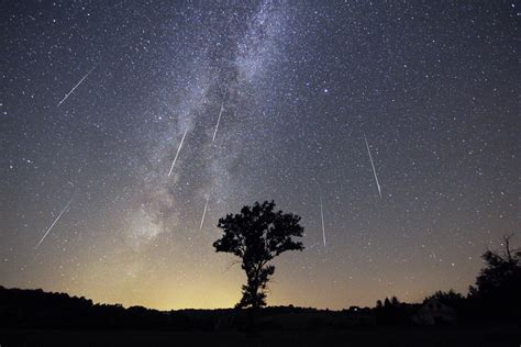 perseid meteor shower   annual august