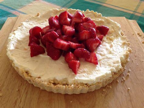 home made cheese cake homemade cheesecake with macerated strawberries myclub