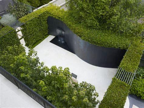water feature curved garden wall interior design ideas