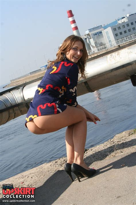 Arousing No Panty Upskirt Collection 12 Pics