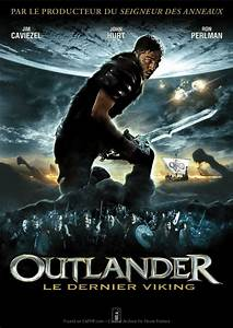 Movie Poster »Outlander French Poster« on CAFMP
