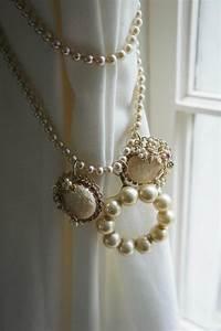 Embrasse Rideau Design : d co embrasse pour rideau avec des perle et des pendentifs en forme ronde ~ Teatrodelosmanantiales.com Idées de Décoration