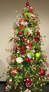 Christmas Trees Ornaments Wreaths on Pinterest