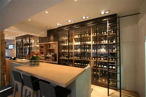 cuisine avec cave a vin quelles différences entre cave à vin de service et de