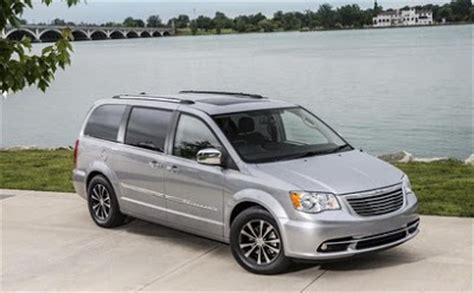 Autos News 2018 2018 Chrysler Town And Country