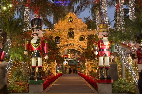 mission inn riverside lights the mission inn hotel kicks off the holiday season with