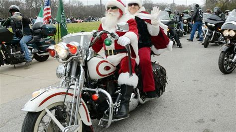 texas toy run draws thousands  motorcyclists  sunday