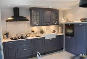 renovation d39une cuisine gris ardoise a la campagne With cuisine repeinte en gris