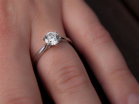 engagement rings reddit married who wear both wedding engagement rings do they match askwomen