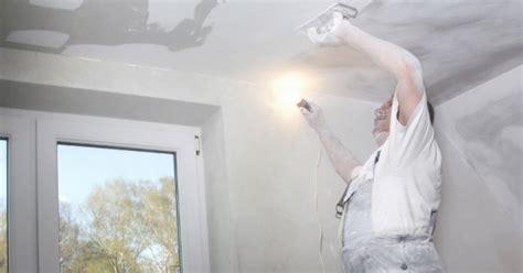 poser de la toile de verre au plafond