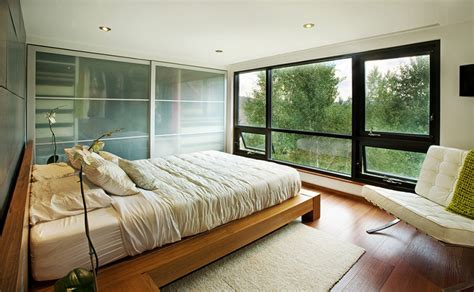 contemporary bedrooms   beautiful outdoor view  glass windows home design lover