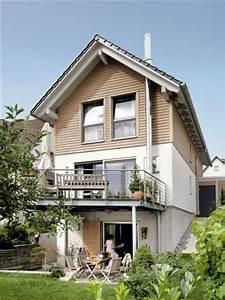 Balkon Auf Stelzen : schmales hang haus mit stelzen terrasse bebauung pinterest ~ Orissabook.com Haus und Dekorationen