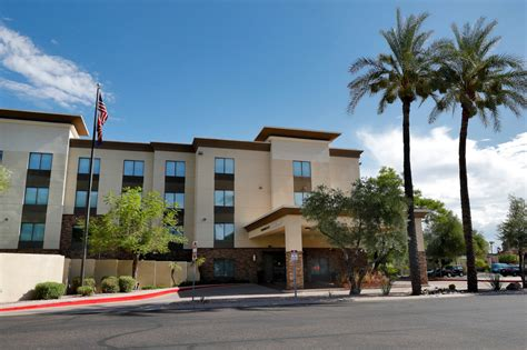 Appeals court upholds ban on holding migrant kids in hotels