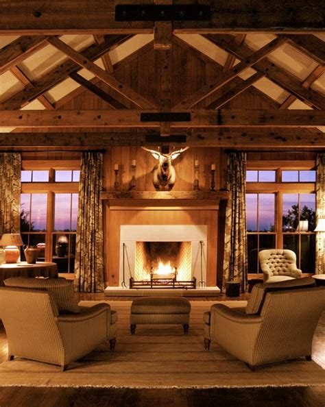 rustic lodge  roost mississippi delta farmhouse