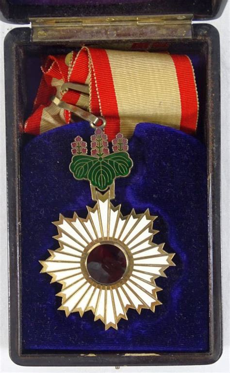 wwii cased japanese order   rising sun  class