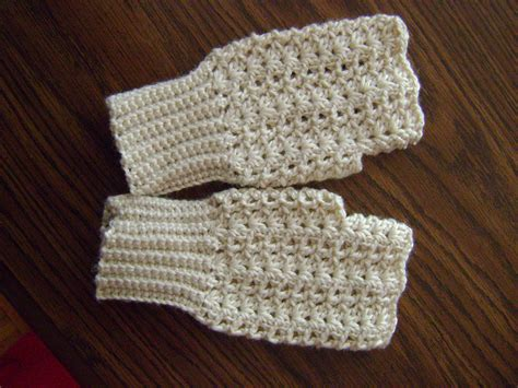 crochet fingerless gloves 17 fingerless gloves crochet patterns guide patterns