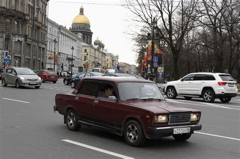 Why Russians Are Buying More Ladas