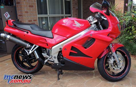 honda vfr bike a ride the vfr750 with phil mcnews au