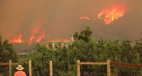Bobcat Fire Grows Past 100000 Acres Continues To