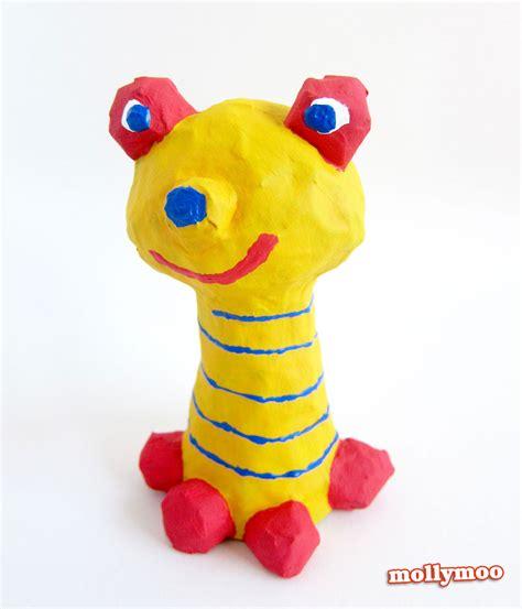 mollymoocrafts papier mache crafts  kids frog