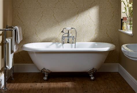essential traditional roll top freestanding bath   mm