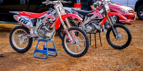 2 stroke motocross bikes choosing between a 250 2 stroke and a 450 4 stroke motosport