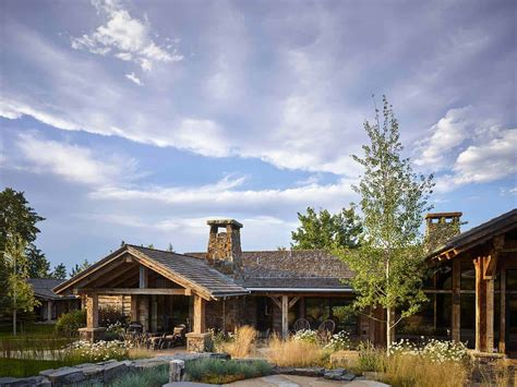 Breathtaking Rustic Ranch House Tucked Into The Beartooth