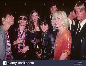 BLONDIE US group singer Debbie Harry with friends and band ...