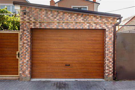 Porte Per Box Auto Prezzi Basculante Per Garage E Box Prezzi Modelli E Misure