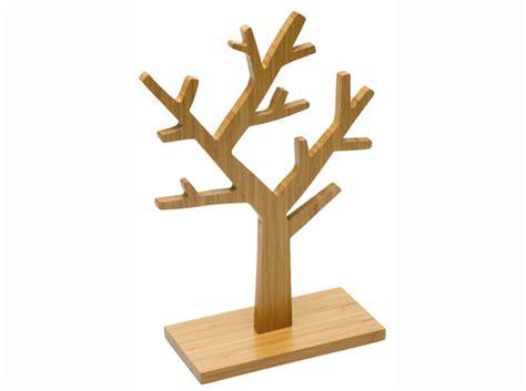 1 objet 2 budgets l arbre 224 bijoux reine m 232 re versus celui de conforama d 233 coration