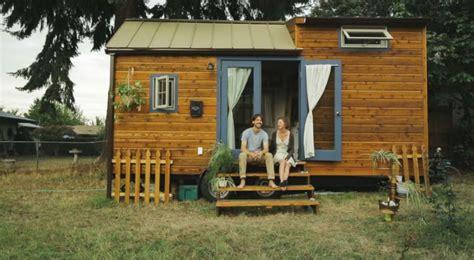 tiny house vivre  libre dans de minuscules maisons