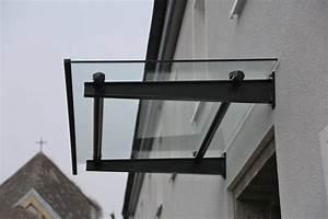 Vordächer Aus Glas : vordach aus lackiertem stahl und glas ~ Frokenaadalensverden.com Haus und Dekorationen