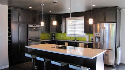 armoires de cuisine 17 best images about maison on barn doors taupe and kitchen cabinets