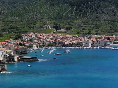 komiza vis croatia holidays yacht charter  croatia