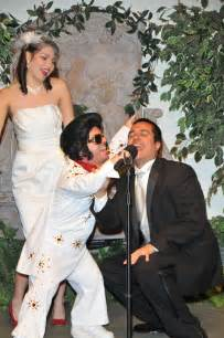 wedding in vegas getting with mini elvis at the viva las vegas wedding chapel viva las vegas weddings