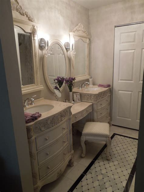 Traditional & Contemporary Bathroom & Dressing Room